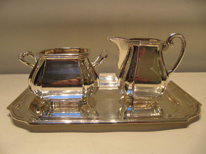 Silver milk jug and sugar bowl  set  D.J. Aubert 20th century.