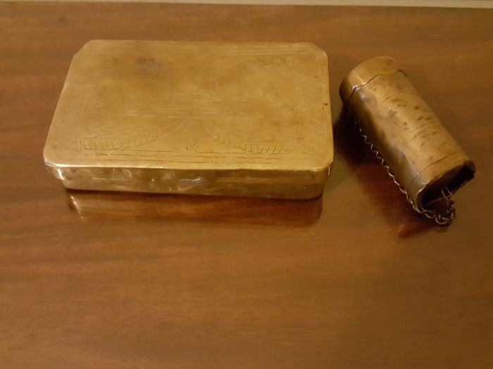 Fire Clay Pipes : Brass tobacco box haarlem harelem th century with