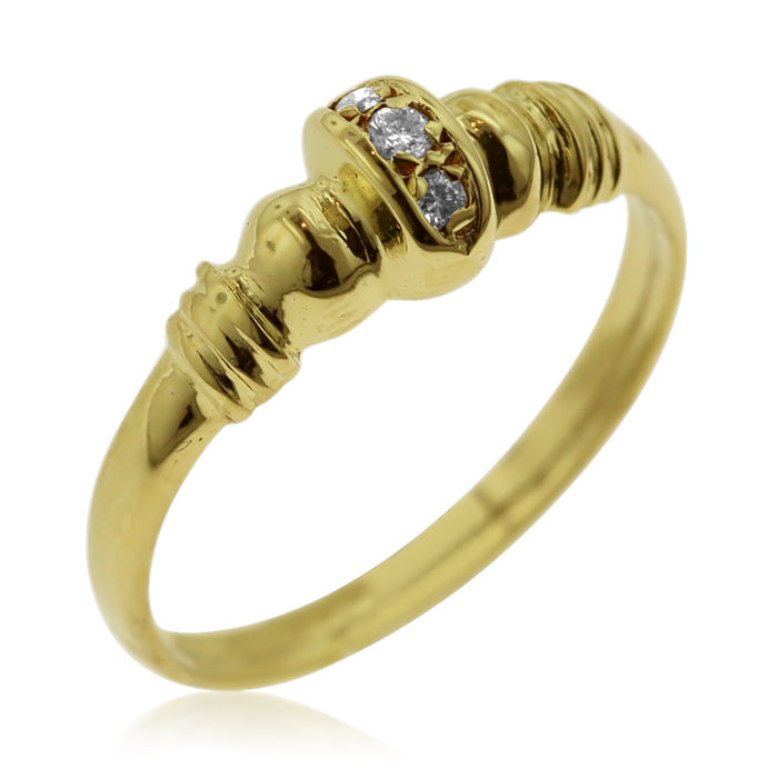 Anello di diamanti a tre pietre in oro giallo da 18 kt