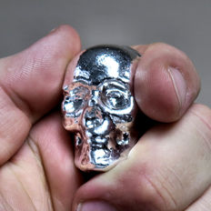 USA - YPS 100 gram 999 silver bar skull - hand cast / unique - fine silver