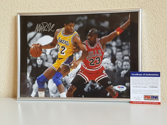 Magic Johnson en Michael Jordan - Basketbal legendes Dream Team '92 - ingelijste foto origineel gesigneerd door Magic + PSA/DNA COA.