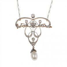18 kt gold Belle Epoque pendant brooch with platinum, pearl and diamonds of 1.20 ct