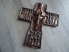 Impressive bronze cross with biblical scenes - 20th century