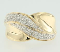 18 kt bi-colour gold ring, set with 82 octagon cut diamonds