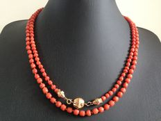 Old Dutch red coral necklace with 14 kt gold ball clasp, long model