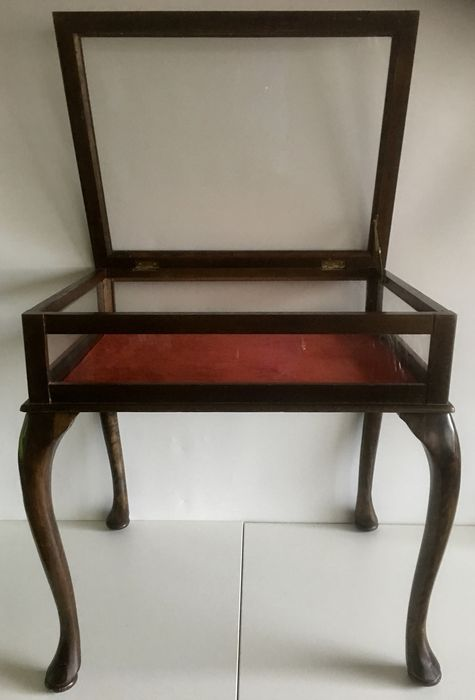 A Queen Anne Style Wood And Glass Display Table England Catawiki