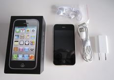 Apple iPhone 3G S Black 8GB complete with original box