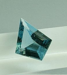 Aquamarine - intense blue 5,49 ct