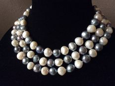Necklace with natural freshwater baroque pearls 128 cm.