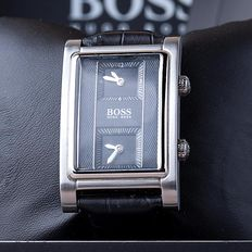 Hugo Boss Dual Time – men's wristwatch – in mint condition 06