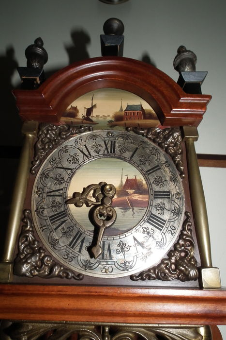 Zaandam clock model with 2 weights – period 1970