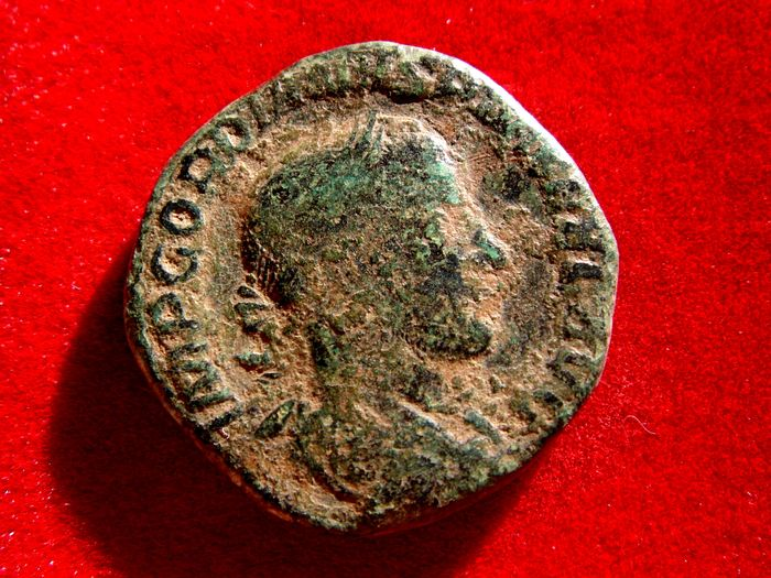 Roman Empire - Gordian III (238-244 A.D.) bronze sestertius (15,67 g. 28 mm.). Rome mint, A.D. 2413-244. SECVRIT PERPET.