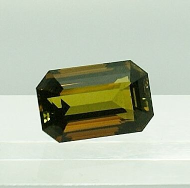 Tormalina, verde-marrone - 8,81 ct