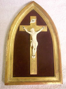 Cross with ivory christ in a niche frame 1860-1920 France