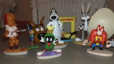 Looney Tunes - Warner Bros - figurines/ small statues - Bugs Bunny, Elmer Fud, Yosemite Sam, Daffy Duck, Road Runner + extra Scooby Doo