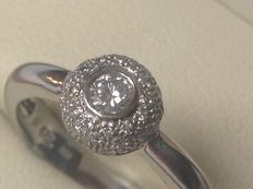 18 kt white gold ladies' ring with brilliant-cut diamonds of 0.28 ct TW/VS