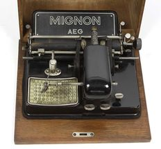 Mignon - typewriter made by AEG-Deutsche Werke Berlin,