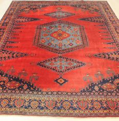 Beautiful semi antique Persian carpet, Viss Wiss, 300 x 375 cm, Made in Iran around 1950