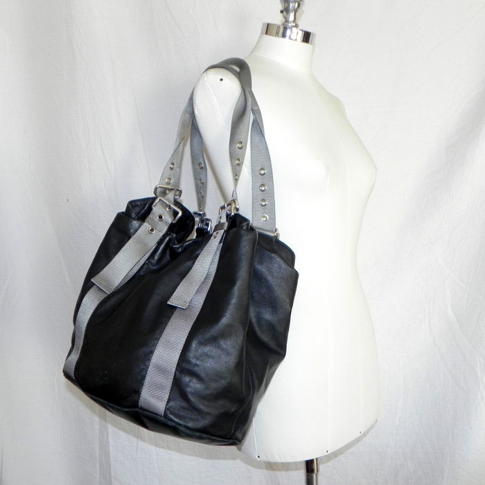4bc2b3b8115fc5 ... coupon for prada vintage leather bag shopper from 90s 3b7b0 de315