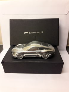 Porsche 911 Carrera S - massief metalen paperweight schaal model 1:43