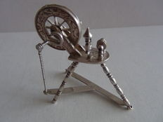 Silver miniature spinning wheel, Netherlands, 1886