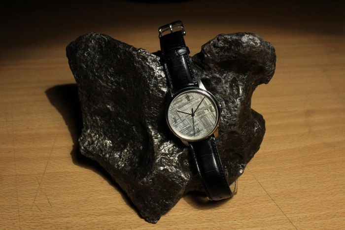 KUNTZ Meteorite Watches / Besançon - Wristwatch with Meteorite Dial