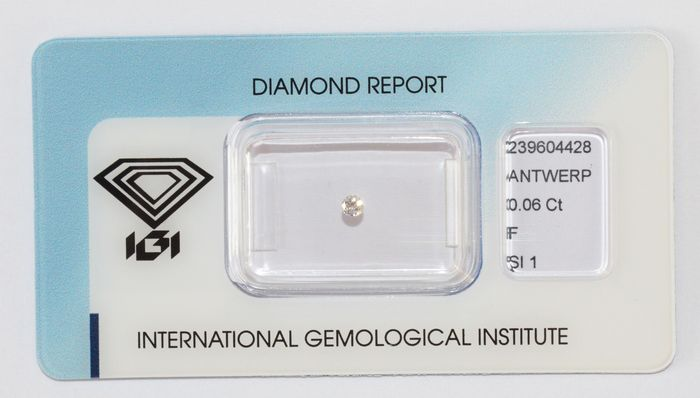 Diamante a taglio brillante F SI1da 0,06 ct