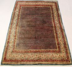 Magnificent handwoven Persian palace carpet, Sarough Mir 190 x 290 cm. Made in Iran, best highland wool from around 1970/1980