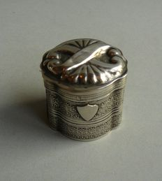 Silver scent box with shield, Netherlands, 1857