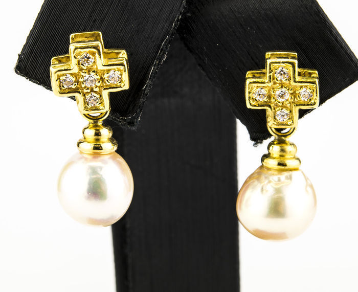 Earrings in yellow gold with cross design cubic zirconias and akoya