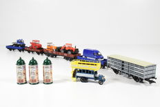 Märklin H0 - 46829/00758-08/44241/0758-16/4474 – Theme set Berlin suburban traffic and 4 freight carriages with vehicles