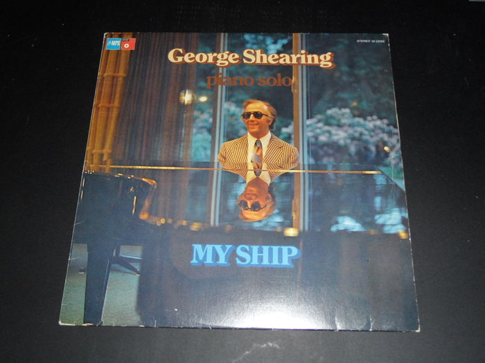 A lot of 19 album from the great George Shearing and other famous musicians