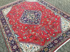 Persian Tabriz with many flowers and animals - SIGNEED - almost 12 square metres - approx. 390 x 290 cm - 20th century.