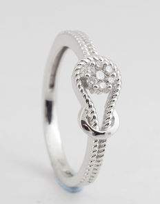 18kt diamond ring total approx. 0.11ct & 2.90gr.