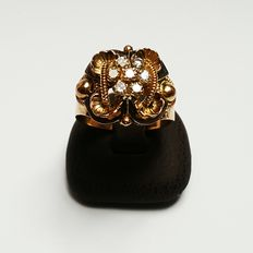 18 kt Gold ring with brilliant cut diamonds