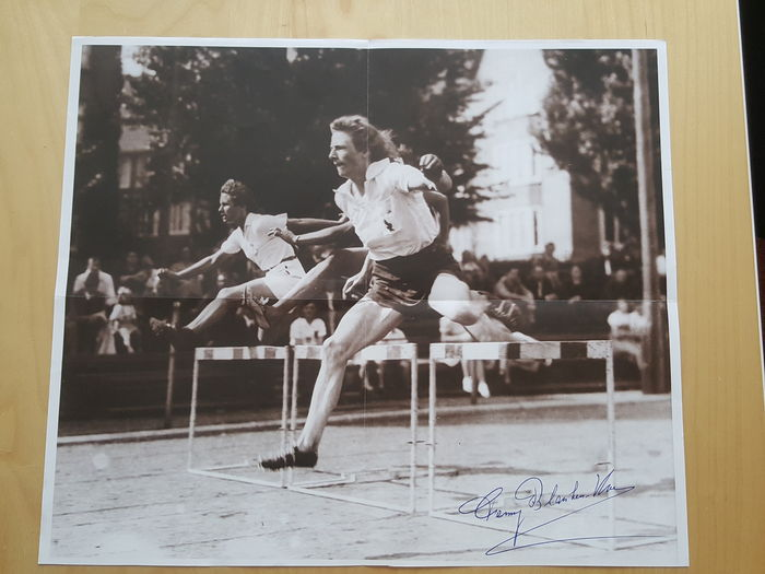 Fanny Blankers Koen - Olympic Dutch Legend - original signed large poster + COA