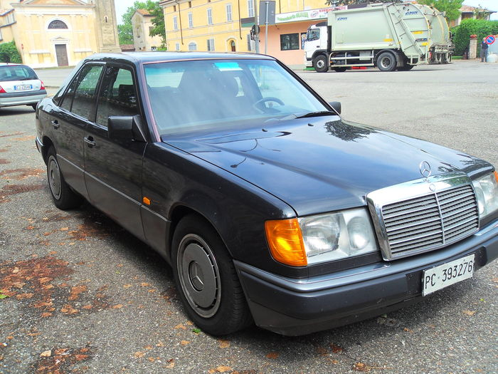 Mercedes-Benz - 200 E Cat - 1990