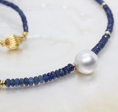 Blue sapphire necklace Ø 3-4 mm with spacers and South Sea pearl - Ø 10.5 mm.