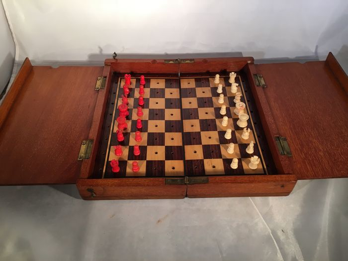 Travel chess set - English - Ca. 1900