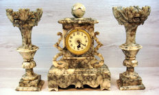 Three-piece black/white marble clock set - Japy Frères - periode 1910