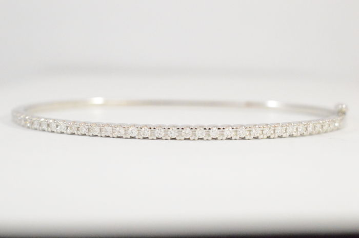White gold bracelet with top quality diamonds  - 60* 50 mm