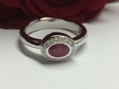 Ladies' ring 18 kt white gold with ruby and diamonds