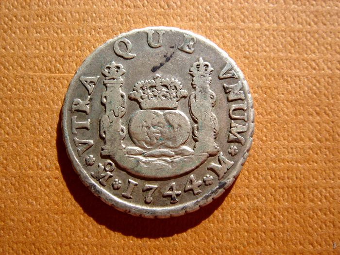 Spain – Felipe V (1700 – 1746), 2 reales silver coin Mint of Mexico (Viceroyalty of New Spain), 1744