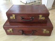 2 beautiful saddle leather suitcases, top quality, England ca 1930.
