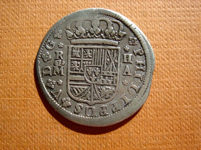 Spain – Felipe V (1700 – 1746), 2 reales silver coin Madrid, 1724.