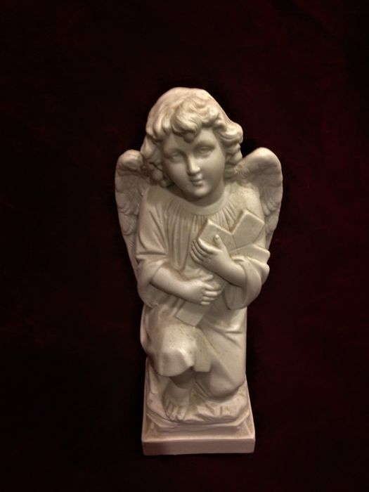 Praying angel - Biscuit - France - 19th Century
