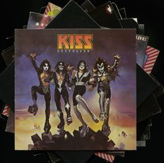 KISS lot of eleven (11) albums including four solo - Includes Hotter than hell, KISS, Destroyer, Dressed to kill, Alive!, Love gun and Alive II