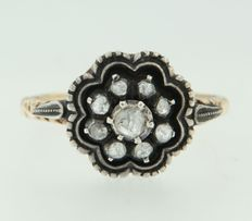 14 kt gold and Z1 silver ring, set with rose cut diamonds.