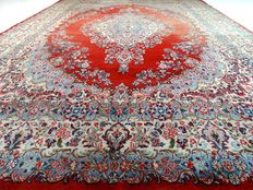 Kerman – 408 x 292 cm – showroom rug – impressive, oversized, Persian rug – exclusive and in beautiful condition.