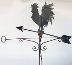 Cockerel shaped weather vane and compass for the roof